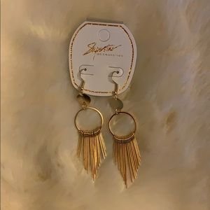 Jewelry - 🔥NWT🔥 Boutique Fringe Earrings